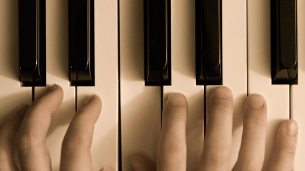 piano_hands